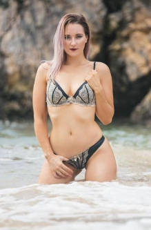 Topless and Nude Waitresses Coffs Harbour